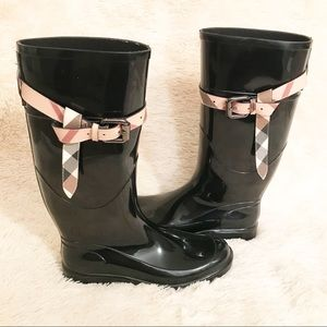 Burberry Rubber Rain Boots Roscot Nova Check Belt